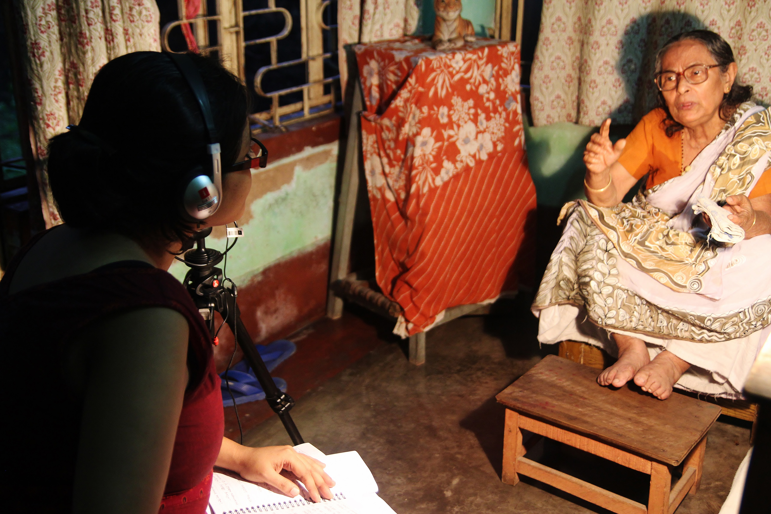 Gayatri Chakraborty interviewed by Citizen Historian Sarmishtha Biswas with camera person Debanjan Sengupta in Agarpara in West Bengal.