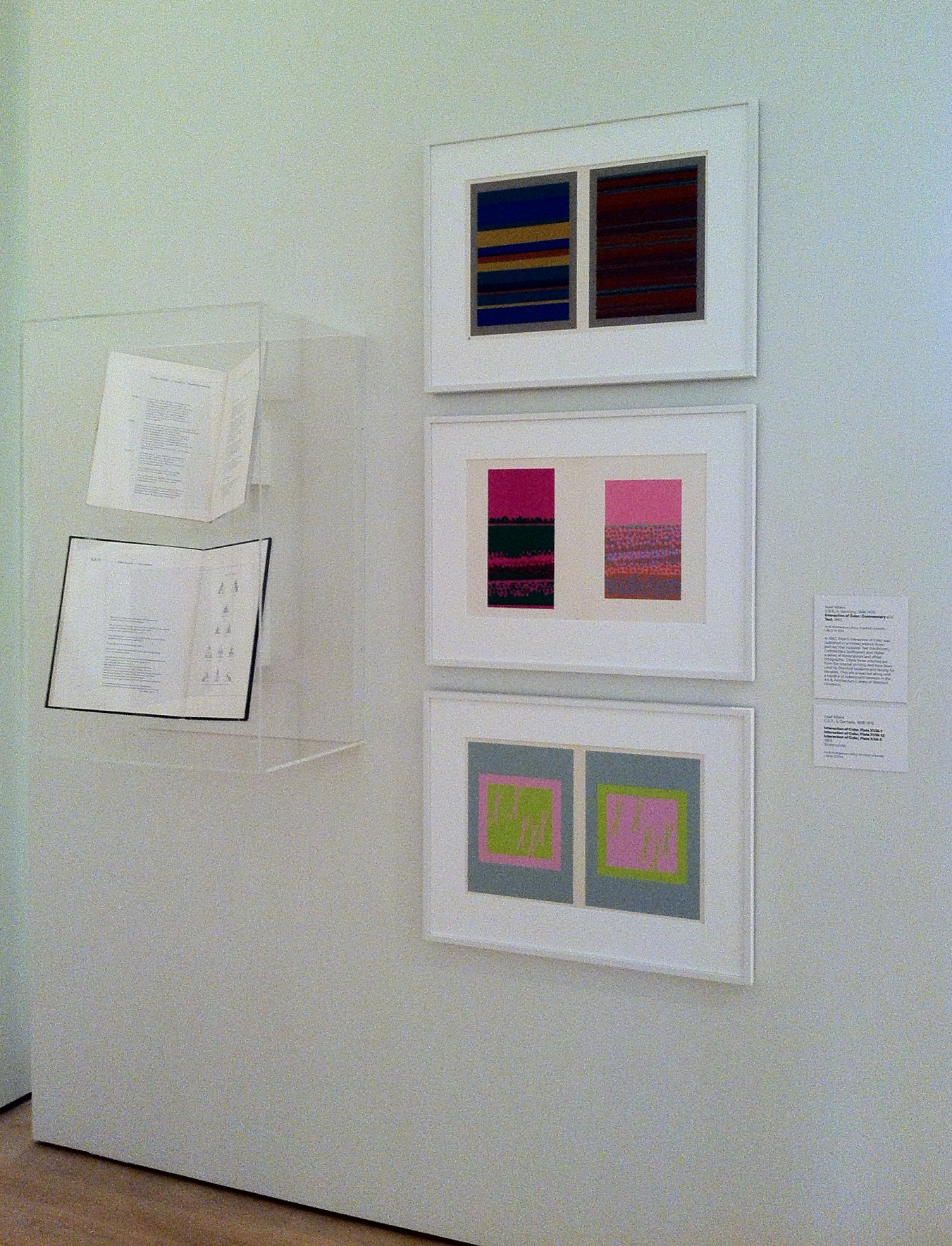 Albers interaction of color