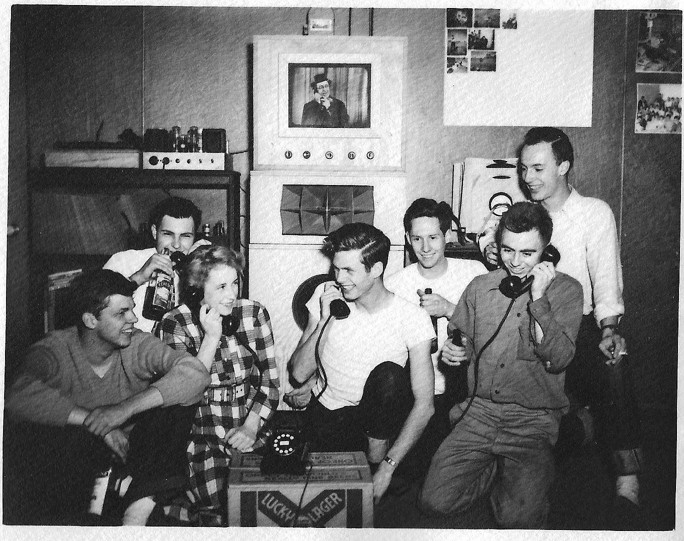 KZSU Stanford students at a house on Page Mill Road, 1949