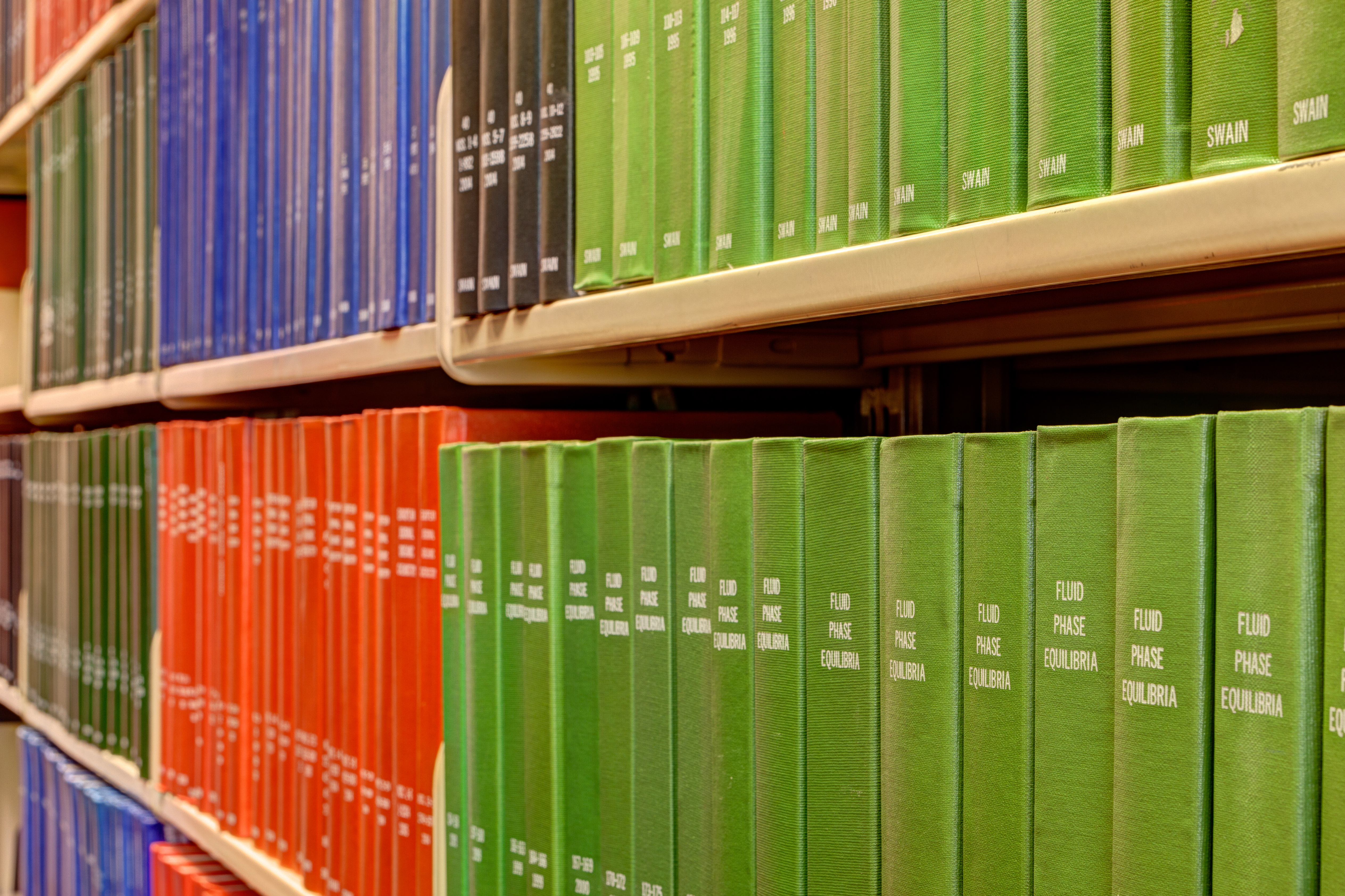 Shelves of books at Chemistry & Chemical Engineering Library