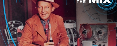 """A autographed photo of Bing Crosby with an Ampex 600. The note says """"To Alexander Poniatoff, Most Cordially."""" Poniatoff was the electrical engineer who founded Ampex. (Photo: Courtesy of Department of Special Collections, Stanford University Libraries)"""