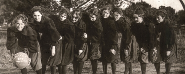 Women's basketball team, 1896