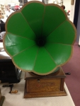 """Aretino - Phonograph (after 1906). Designed to only play discs with a 3"""" diameter hole."""